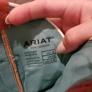 Ariat Shoes - Cowgirl boots